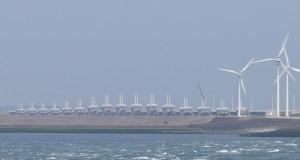 Система дамб и шлюзов под названием «Дельта» на побережье Нидерландов