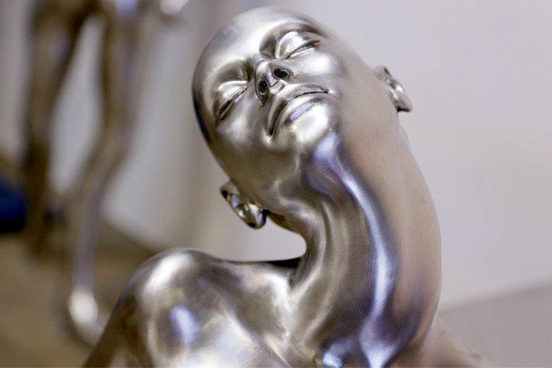 Монументальные скульптуры Роже и Жакотт Капрон можно увидеть в Биоте