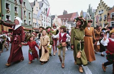Сказочный фестиваль в Берлине